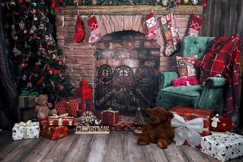 xmas Fireplace only suitable for under 7s